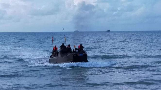 VIVA Militer: Prajurit TNI AL Koarmada I Latihan di Pulau Dabo Singkep, Kepri