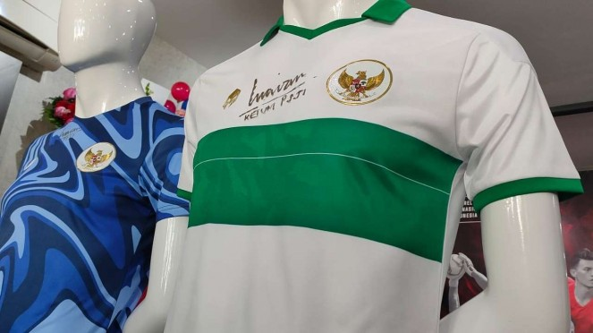Jersey tandang Timnas Indonesia