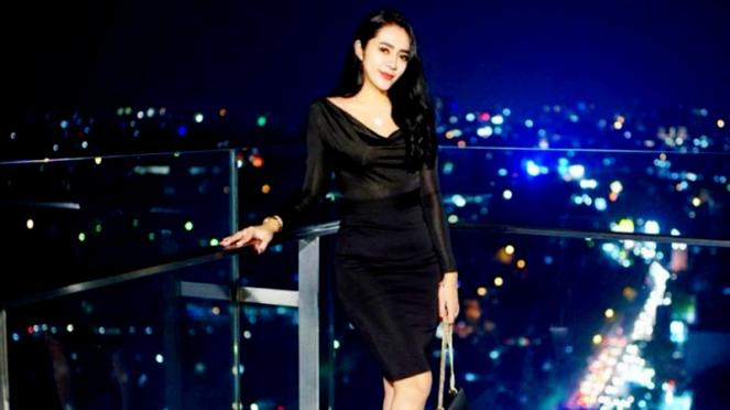 Model cantik Vernita Syabilla