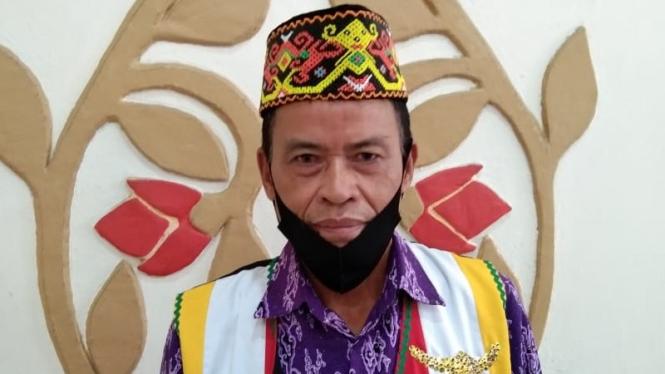Ketua adat Suku Suruk Kecamatan Bengkalis, Kabupaten Kapuas Hulu, Yulianus
