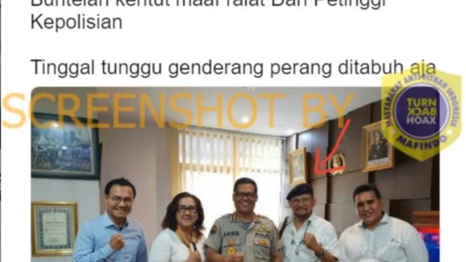 Tangkapan layar (screenshot) sebuah unggahan di Twitter dengan klaim bahwa polisi mengizinkan kelompok neo-PKI berdemonstrasi di Jakarta.