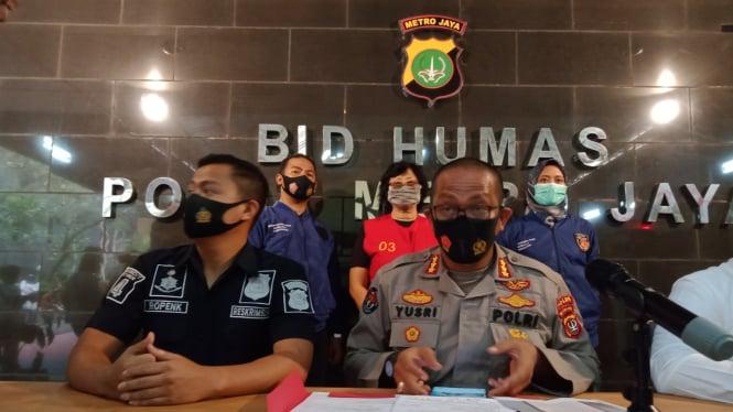 Kabid Humas Polda Metro Jaya, Kombes Pol Yusri Yunus umumkan kasus penghina Ahok