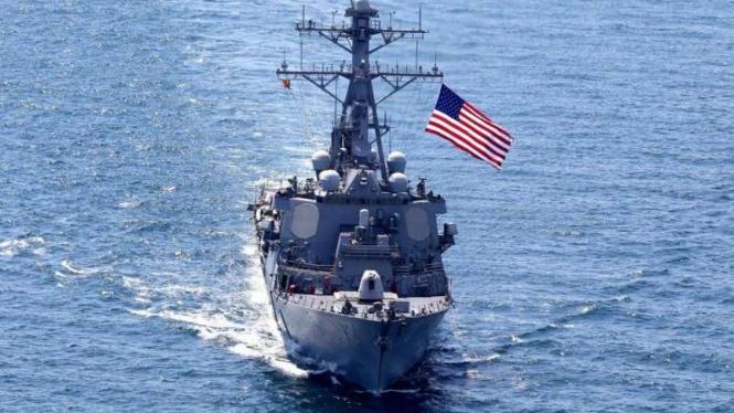 VIVA Militer: Kapal perang Angkatan Laut Amerika Serika di Laut China Selatan