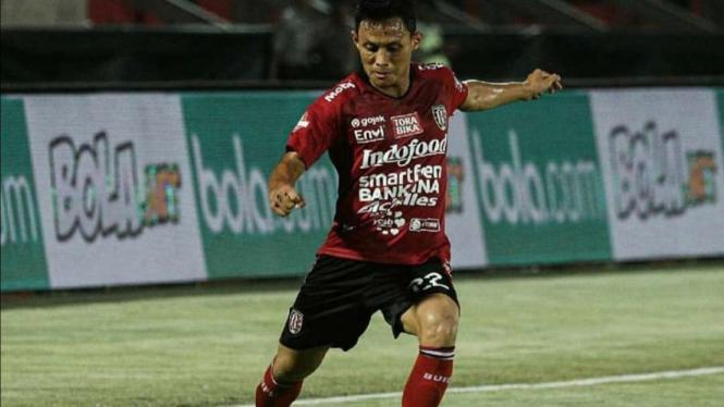 Bek sayap Bali United, Dias Angga Putra.