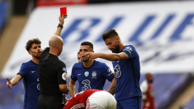 Kartu merah untuk gelandang Chelsea, Mateo Kovacic