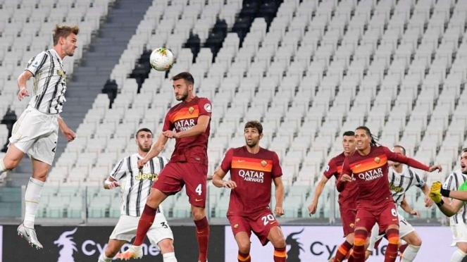 Juventus takluk 1-3 dari AS Roma.