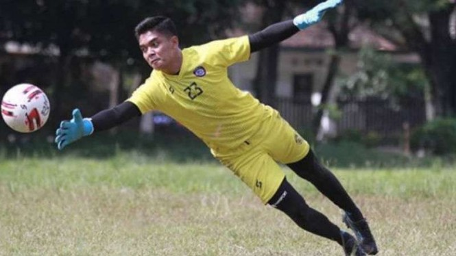 Kiper Arema FC, Teguh Amiruddin.