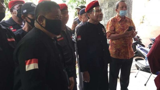 Anggota ormas sayap PDIP, temui Rizal Ramli di Tebet, Jakarta Selatan.