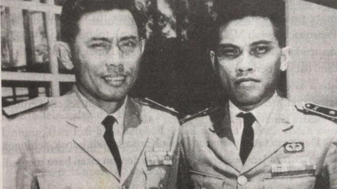 VIVA Militer: Jenderal AHmad Yani (kiri)