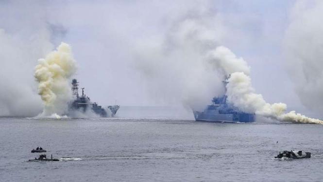 VIVA Militer: Kapal perang militer Rusia di Laut Baltik.