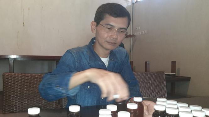 Praktisi obat herbal, Hadi Pranoto