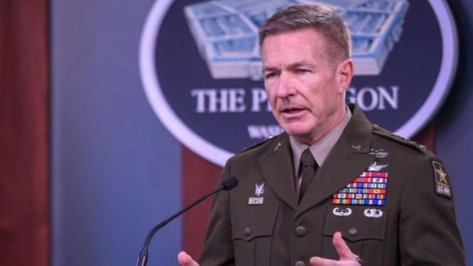 VIVA Militer: Komandan Angkatan Darat AS, Jenderal James Charles McConville