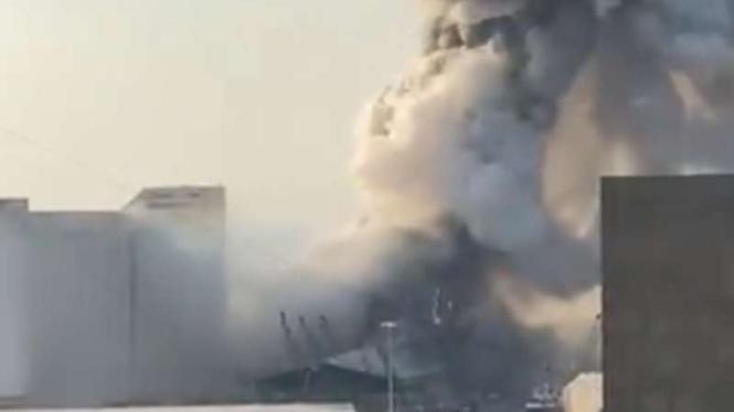 Ledakan Besar Guncang Lebanon, Perdana Menteri Kutip Alquran