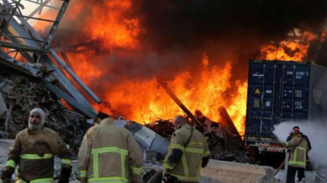Ledakan besar terjadi di Ibu Kota Lebanon, Beirut.
