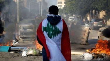 https://thumb.viva.co.id/media/frontend/thumbs3/2020/08/05/5f2a21da28b21-lebanon-mengapa-negara-ini-bisa-terperosok-dalam-krisis-terburuk-dalam-satu-dekade_375_211.jpg