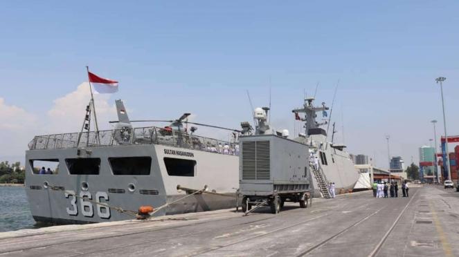VIVA Militer: KRI Sultan Hasanuddin 366 Sandar di Mersin, Turki