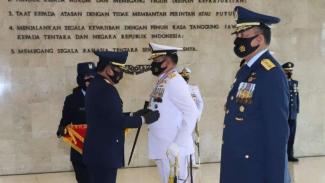 VIVA Militer: Panglima TNI memberikan Tanda Bintang Angkatan Kelas Utama