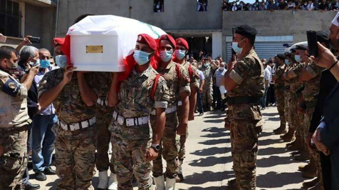 VIVA Militer: Prosesi pemakaman jenazah militer Lebanon.