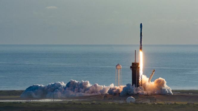 SpaceX akan meluncurkan 60 Satelit Starlink.