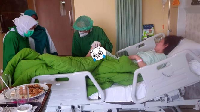 Istri Ferry Irawan, Anggi Novita dirawat akibat menderita stroke