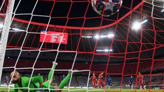Gawang Chelsea yang dikawal Willy Caballero dibobol Bayern Munich.