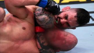 Pertarungan Gavin Tucker vs Justin Jaynes