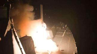 VIVA Militer: Kapal perang AS, USS Arleigh Burke luncurkan rudal balistik nuklir