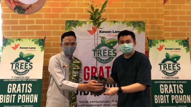 Program gratis tanam pohon dari Living World Alam Sutera.