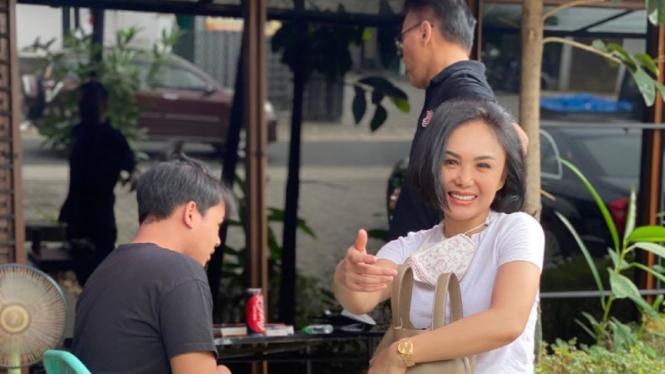 Yuni Shara bawa putranya konsultasi ke psikolog