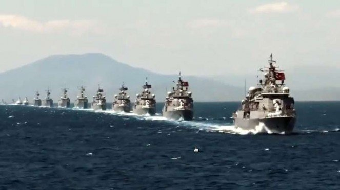 VIVA MIliter : Kapal Perang Angkatan Laut Turki di Laut Mediterania