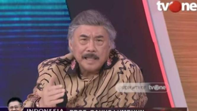 Mantan Hakim Agung, Prof. Gayus Lumbuun, dalam acara ILC di tvOne.