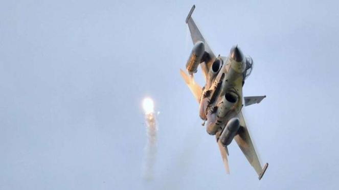 VIVA Militer: Jet tempur militer Taiwan menembakkan rudal