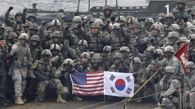 VIVA Militer: Potret Kebersamaan Tentara Amerika dan Korea Selatan