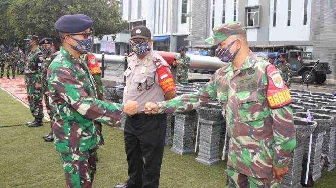 VIVA Militer : Koarmada I terjunkan Babinpotmar untuk disiplinkan protokol COVID