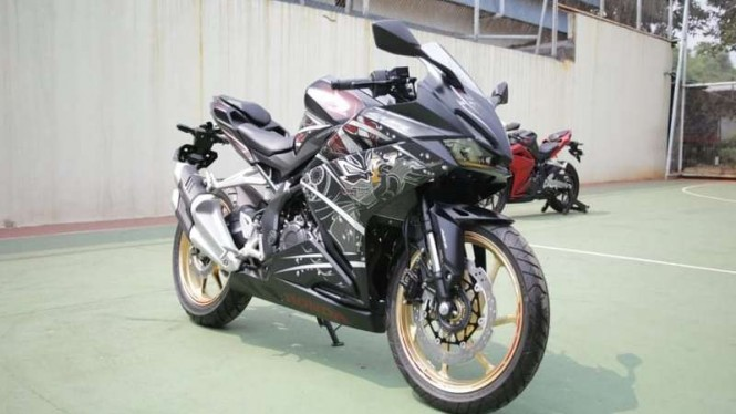 Honda CBR250RR SP Garuda x Samurai