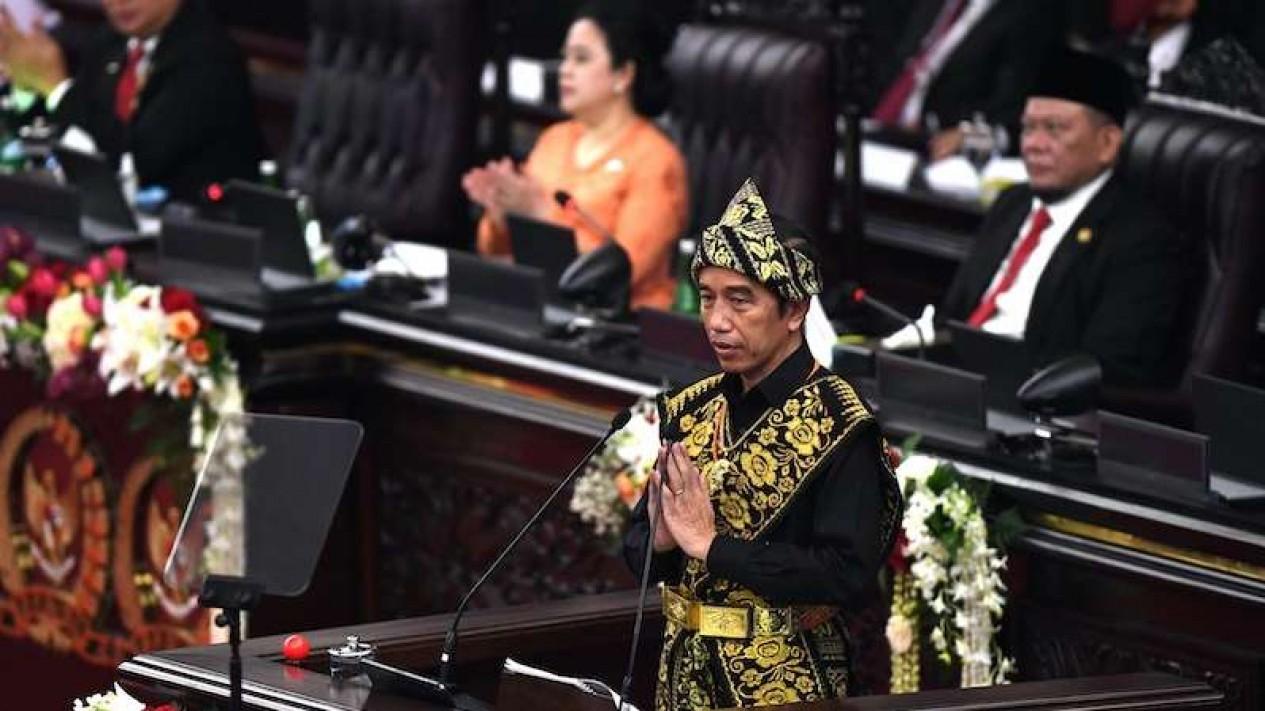Presiden Jokowi menyampaikan pidato dalam rangka penyampaian laporan kinerja lembaga-lembaga negara dan pidato dalam rangka HUT ke-75 Kemerdekaan RI pada sidang tahunan MPR dan Sidang Bersama DPR-DPD di Komplek Parlemen Senayan Jakarta, Jumat (14/8/2020)