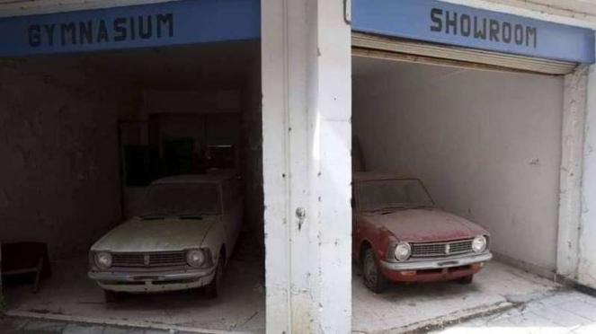 Mobil Toyota yang didiamkan di diler selama 46 tahun