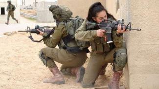 VIVA Militer: Tentara wanita Pasukan Pertahanan Israel (IDF)