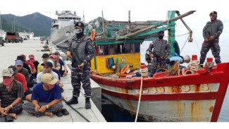 VIVA Militer : TNI AL tangkap kapal penangkap ikan berbendera Vietnam di Natuna