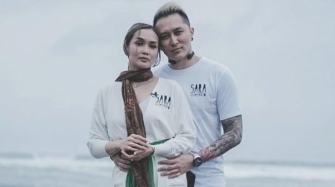Sara Wijayanto dan Demian Aditya.