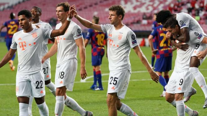 Selebrasi pemain Bayern Munich usai bobol gawang Barcelona
