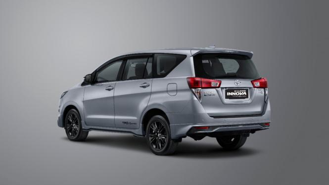 Ilustrasi Toyota Innova.