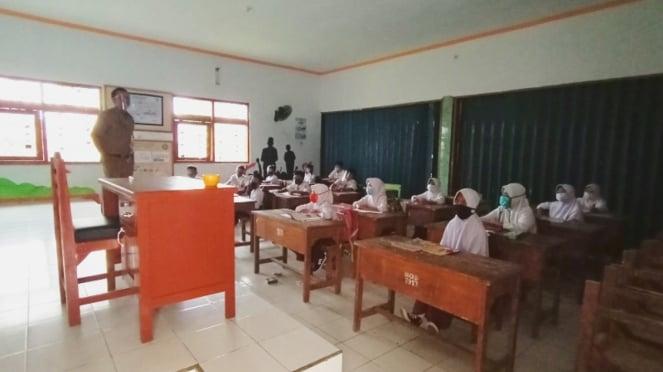 Kegiatan belajar mengajar tatap muka di Kota Serang di masa pandemi COVID-19