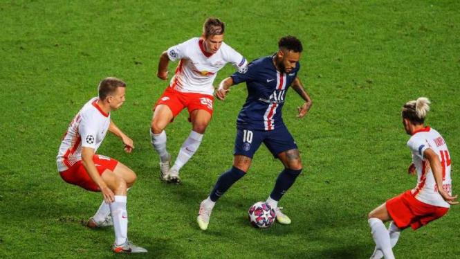 Bomber Paris Saint-Germain, Neymar.