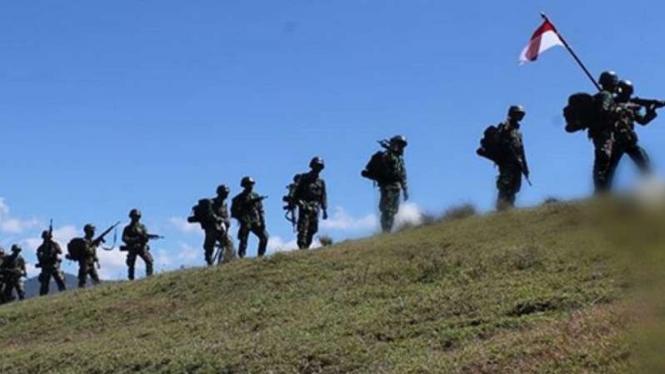VIVA Militer: Prajurit TNI di perbatasan negara.