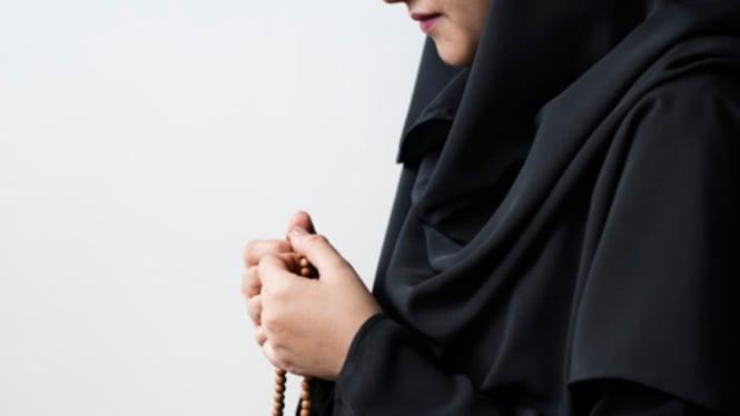 Ilustrasi wanita muslim/wanita berhijab.