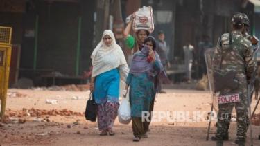 https://thumb.viva.co.id/media/frontend/thumbs3/2020/08/21/5f3fb29f28166-sejak-kapan-hubungan-hindu-muslim-di-india-memburuk_375_211.jpg