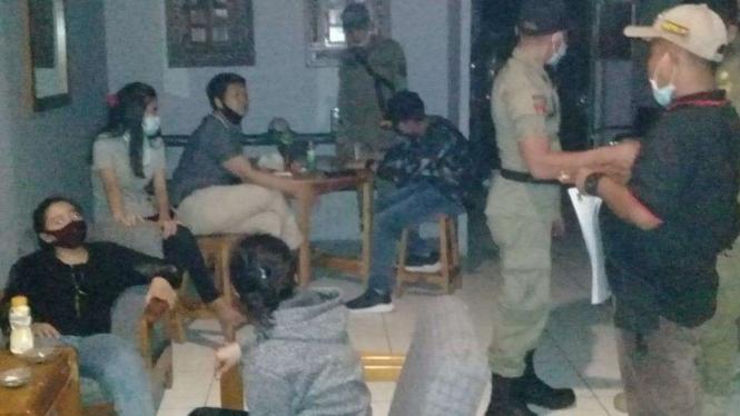 Salah Satu Panti Pijat di Kabupaten Tangerang Disegel karena Langgar PSBB