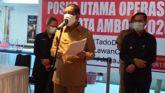 Wali kota Ambon, Richard Louhenapessy dan Wakil wali kota Ambon, Syarif Hadler