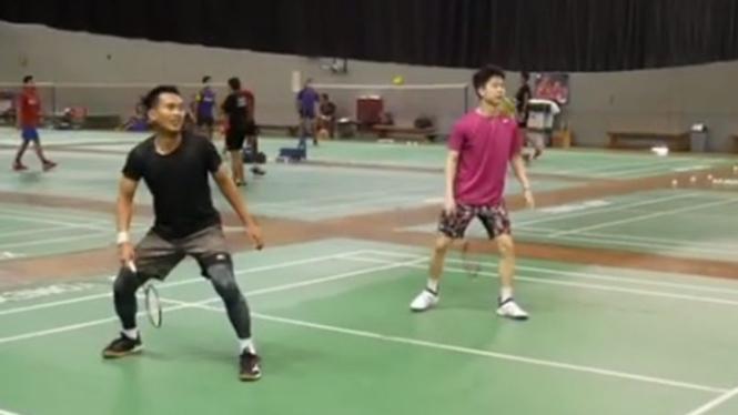 VIVA Bulutangkis: Pebulutangkis Indonesia, Mohammad Ahsan dan Kevin Sanjaya.